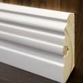Белый плинтус из дерева: основные достоинства и особенности установки