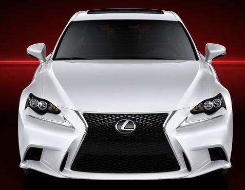 Первые фото Lexus IS